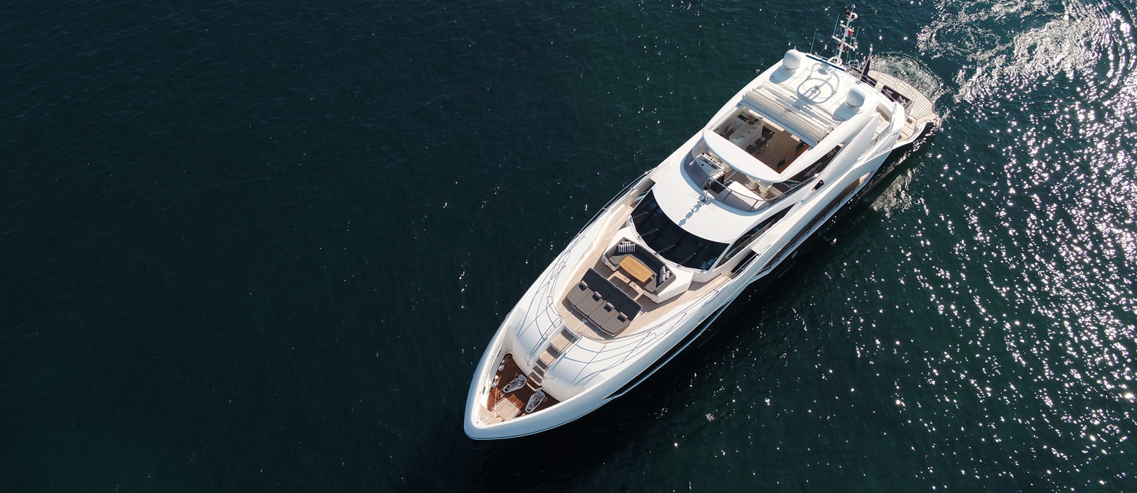 Sunseeker-115-Sport-Yacht-Zulu-Overhead-View