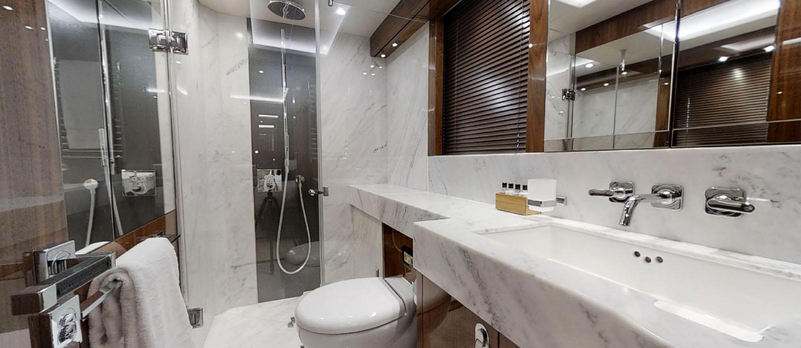 Sunseeker-86-Yacht-MiBowt-Twin-Cabin-En-Suite