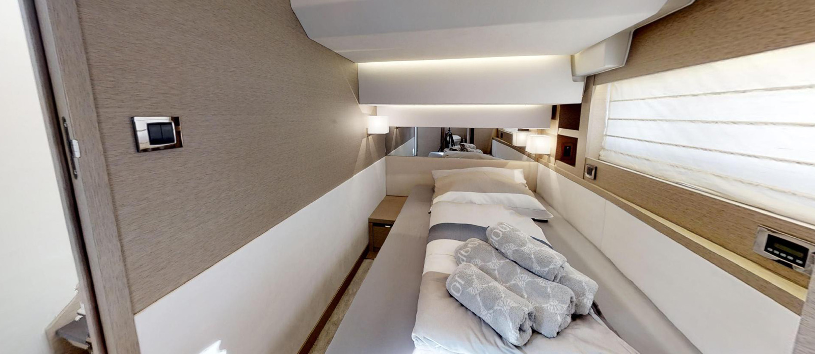 Prestige-630---Boss---Convertible-Twin-Cabin