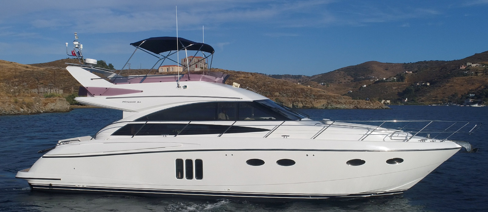 Princess-P54-Fly-Bridge-Motor-Yacht-Lavimar-Side-Profile-Shot