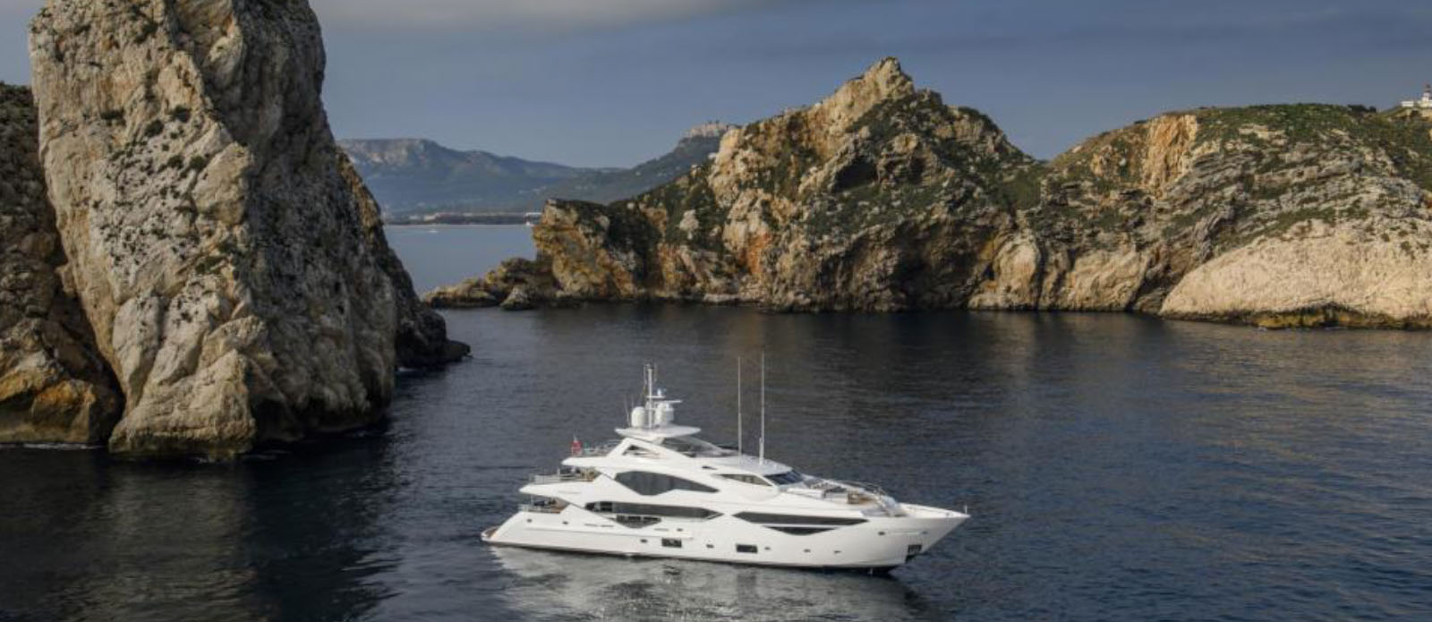 Berco-Voyager-Sunseeker-Exterior-Zoom