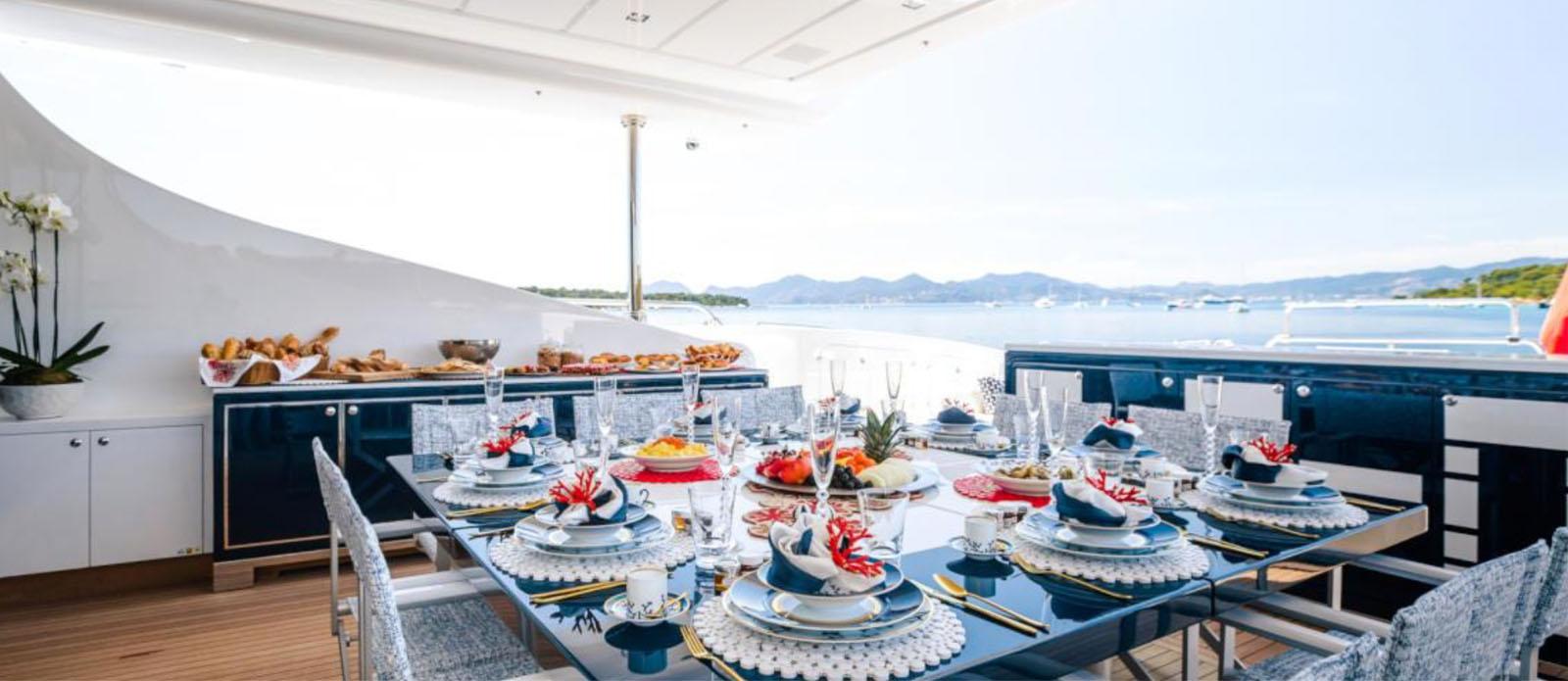 Da Vinci-Mangusta-Exterior-Dining