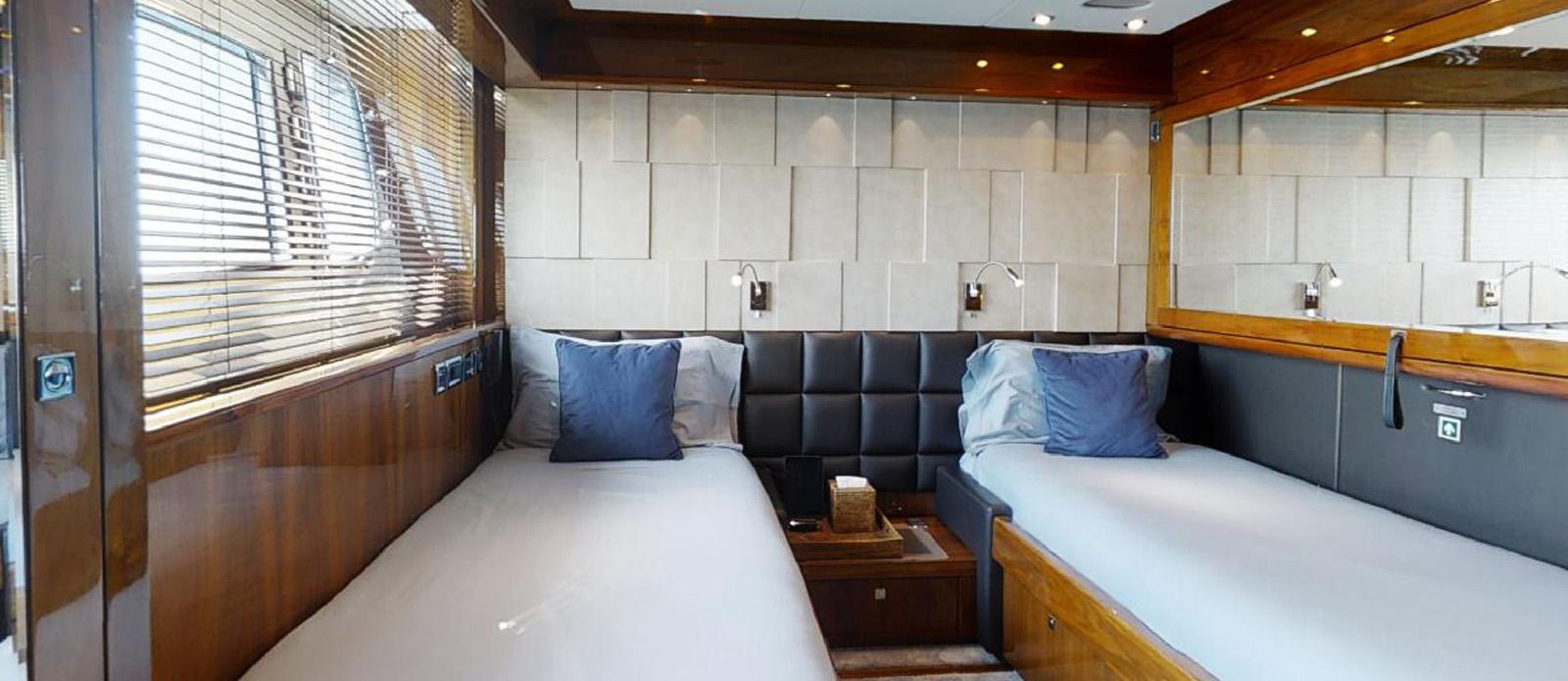 Sunseeker 30 Metre Yacht - Port Twin Cabin - Tuppence