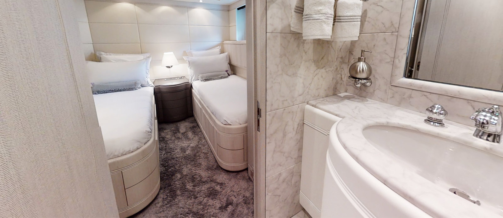 Port Twin Cabin En-Suite - Mangusta 105 - Lauren V