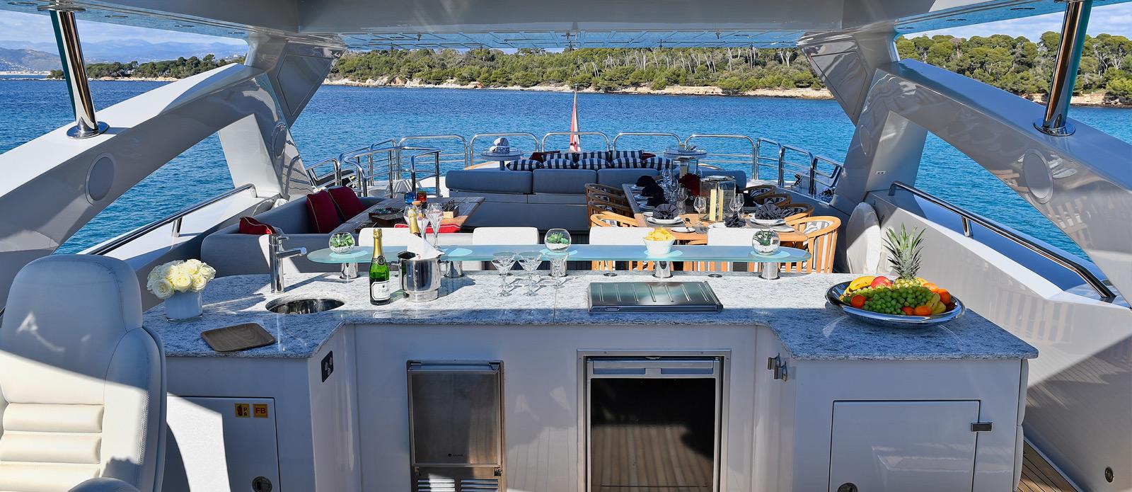 Sunseeker-34-Metre-Yacht---Emoji---Flybridge-Bar-2