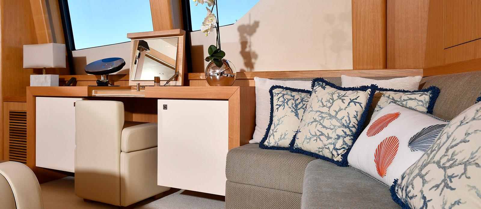 Sunseeker-34-Metre-Yacht---Emoji---Master-Cabin-Seating