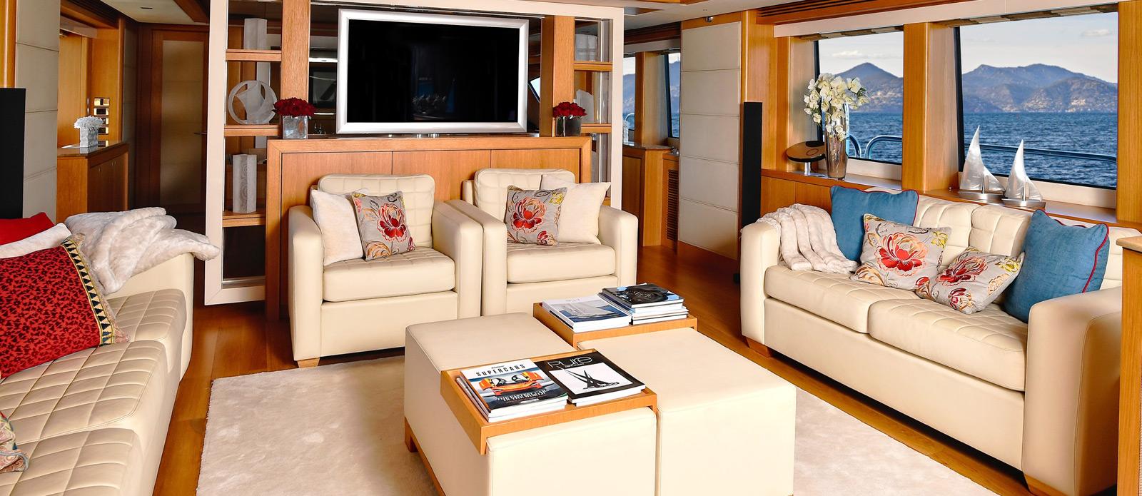 Sunseeker-34-Metre-Yacht---Emoji---Saloon-2