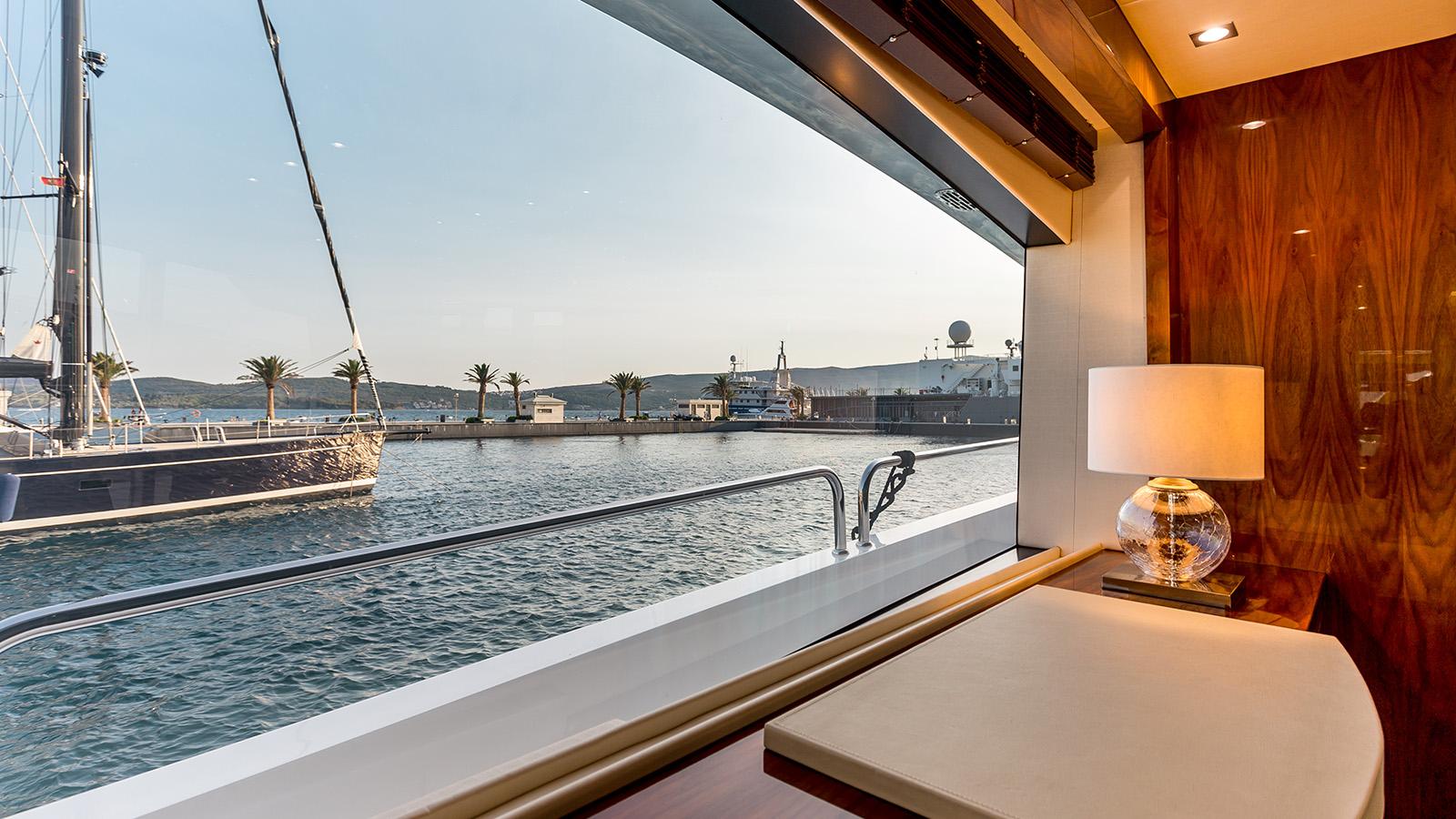 Sunseeker 86 Yacht - Stardust of Poole - Window