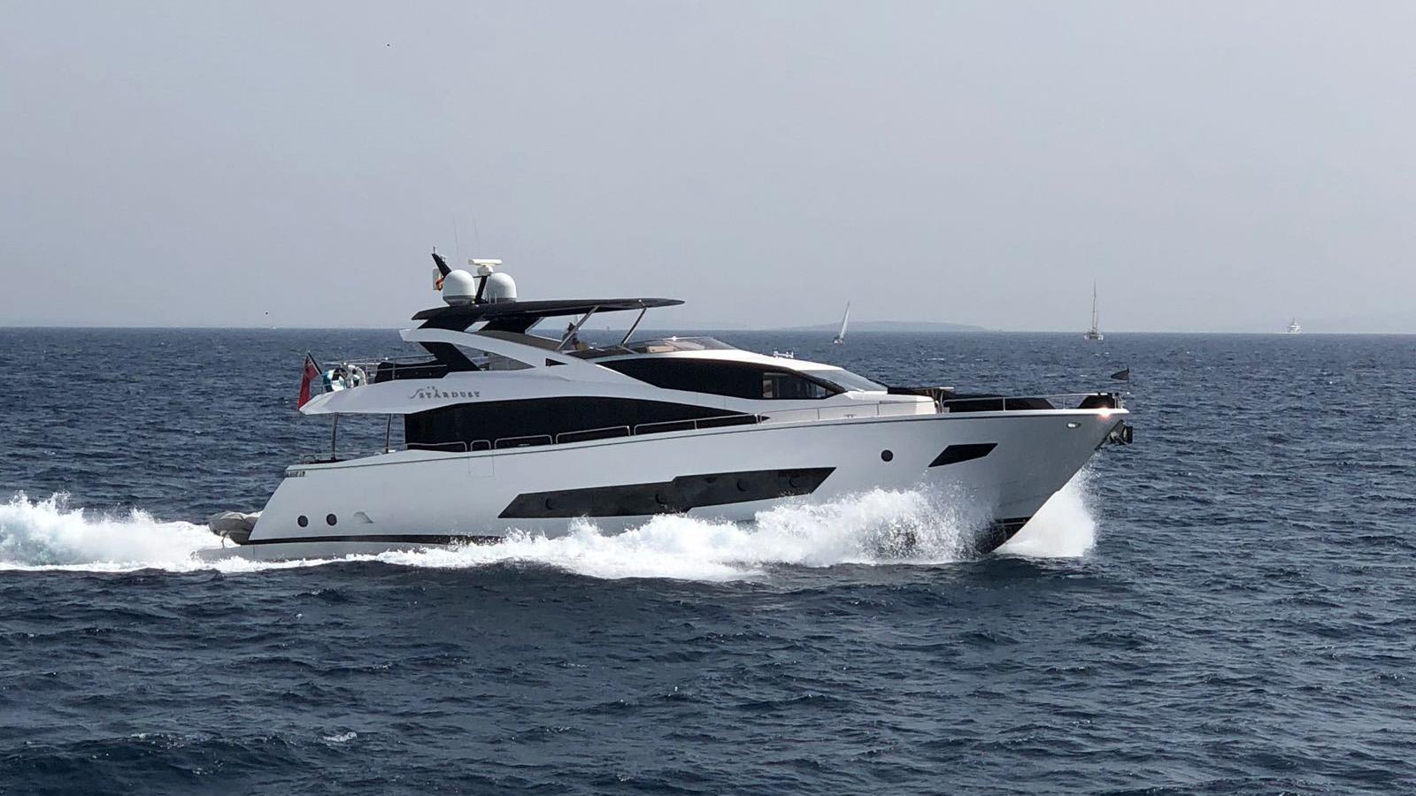 Sunseeker 86 Yacht - Stardust of Poole - Running