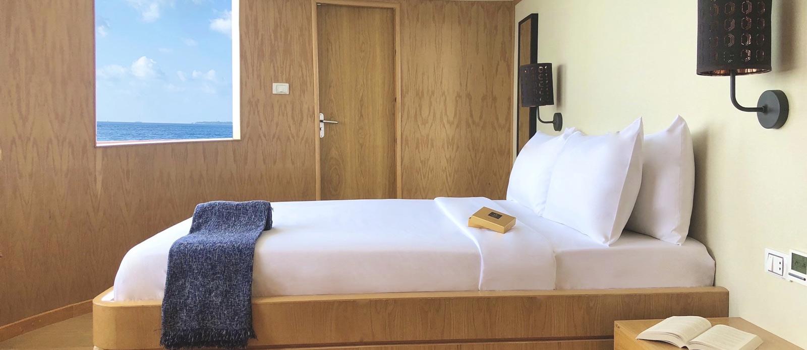 Safira-Luxury-Yacht-For-Sale-Interior-10
