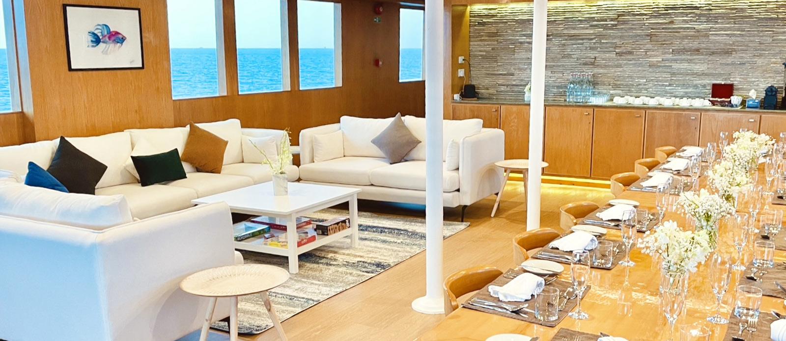 Safira-Luxury-Yacht-For-Sale-Interior-2