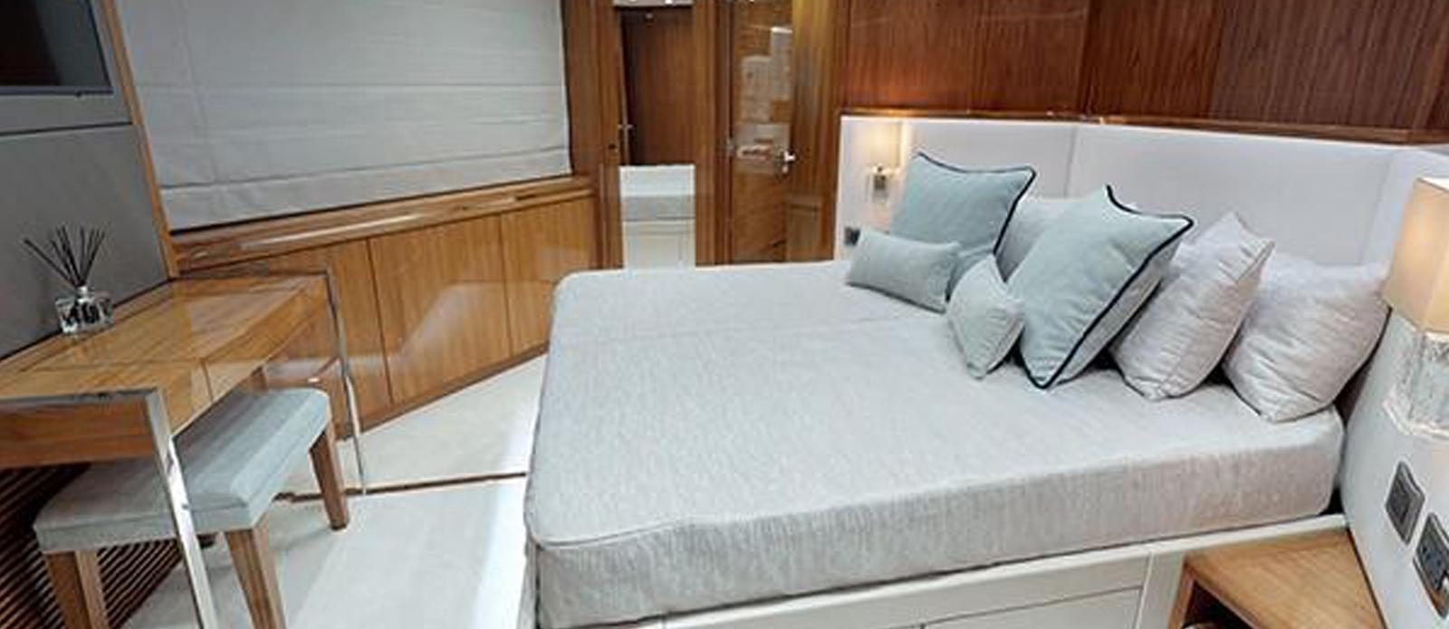 Sunseeker-116-Sport-Yacht-Priceless-9