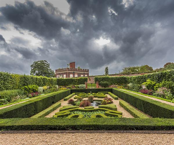 Britains-Best-Guides-Hampton-Court-Tour-3
