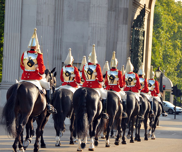 queen's lifeguards household cavalry