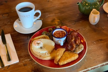 Quinto Lounge - Full English Breakfast