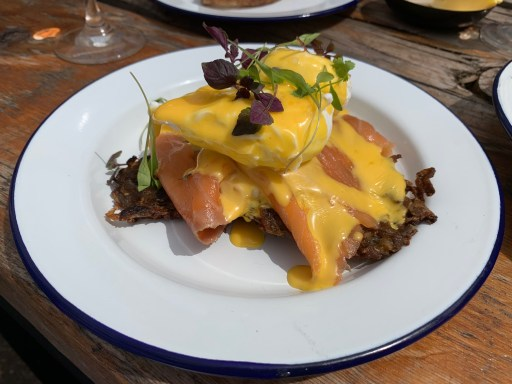 Ocho Breakfast - Salmon and Poached Egg with Holandaise and Rosti
