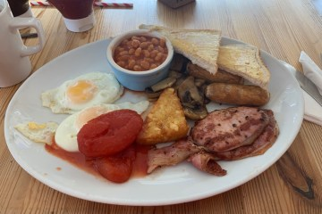 Cornmarket Cafe Bistro - Full English Breakfast - Warminster