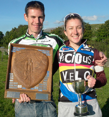Jebb of Hope Factory Racing and Delia Beddis of ViCiOUS Velo (photo courtesy of www.3peakscyclocross.org.uk)