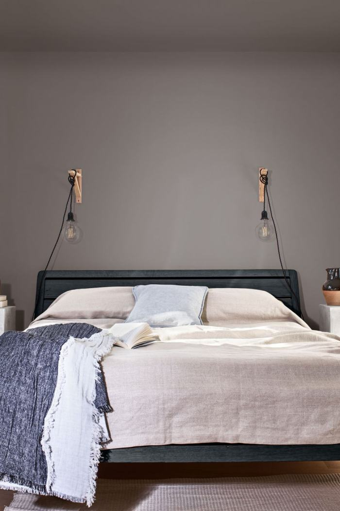 4 Stylish Ways To Incorporate Dulux's Tranquil Dawn Into Your Bedroom