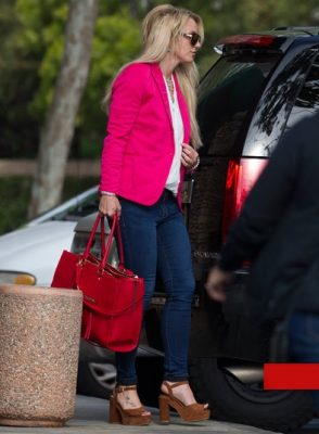 0502-britney-spears-arriving-to-deposition-splash-7
