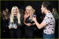 britney-spears-receives-first-icon-award-at-radio-disney-music-awards-22