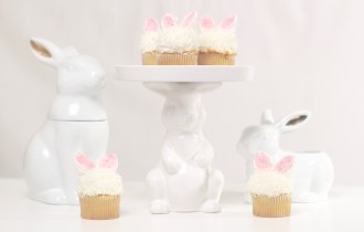 Easter Coconut Cupcakes Bunny Ears Easter Recipe dessert britney termale lifestyle blog fluffy bunny cream cheese icing frosting coconut cake vanilla white