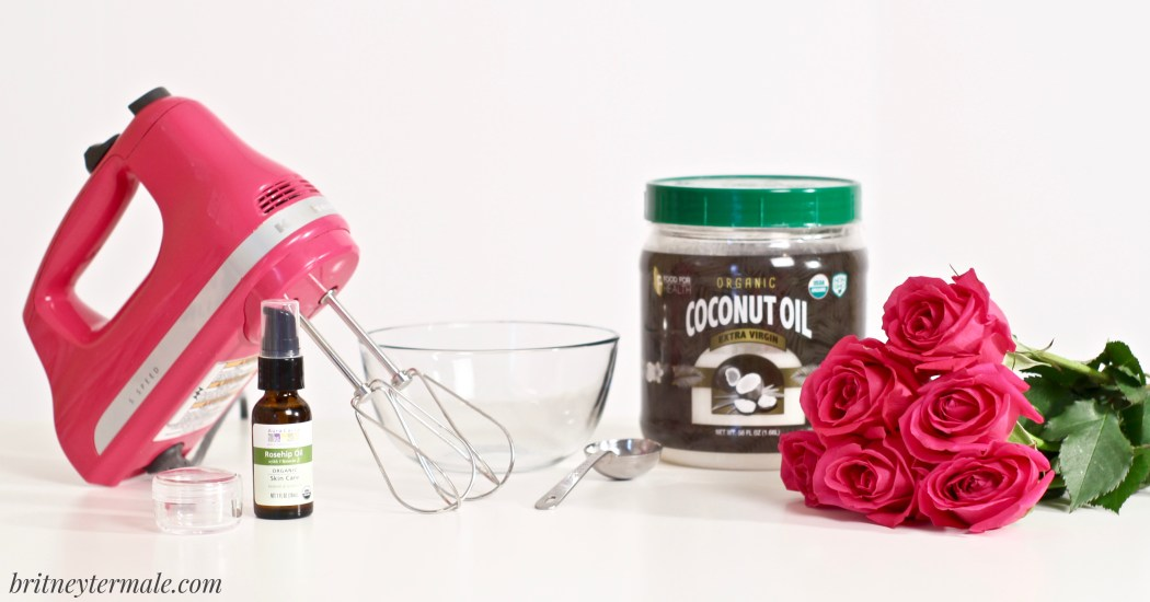 DIY Coconut Oil Eye Cream