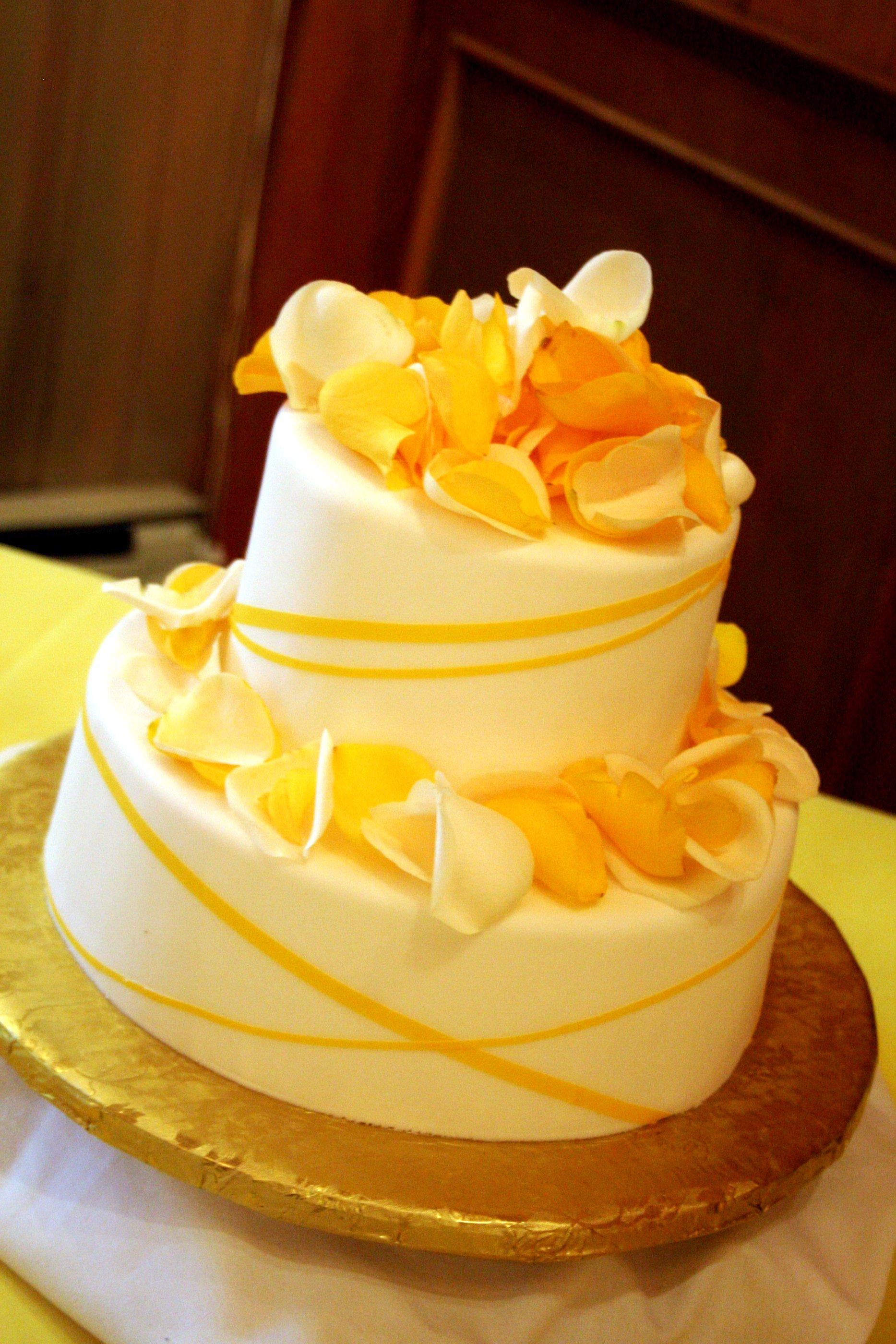 Yellow And White Theme Wedding Brittanyflowers Weblog