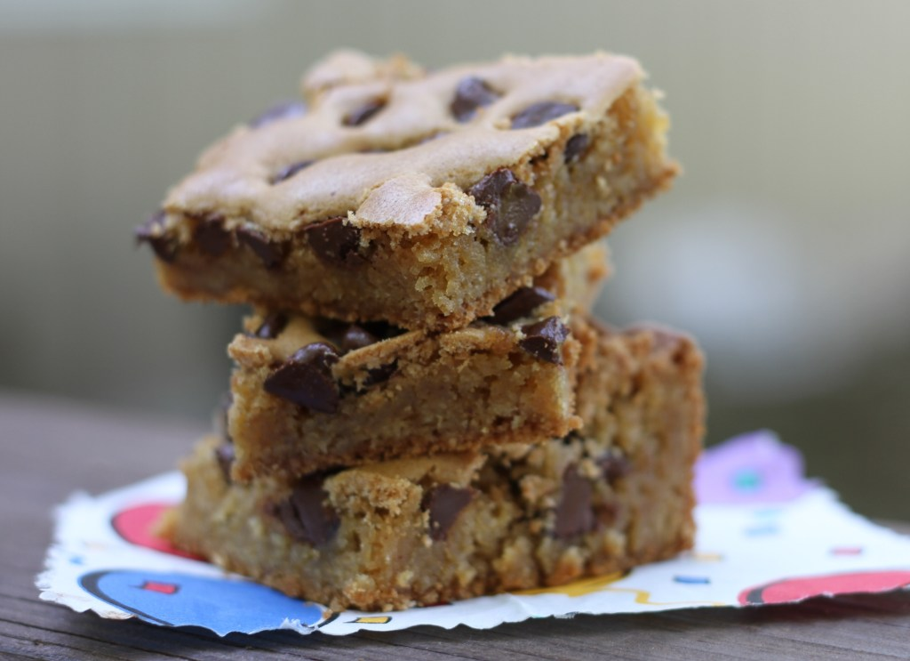 Chocolate Chip Blonde Brownies | Brittany's Pantry