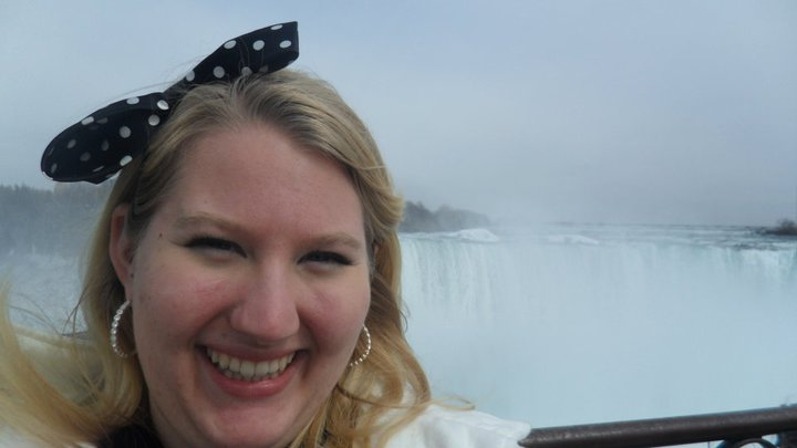 me in front of the Horseshoe Falls