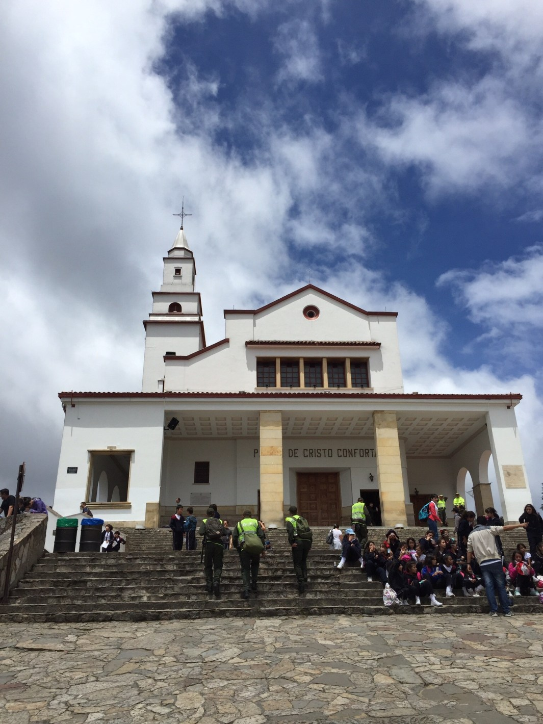 Monserrate_Religion