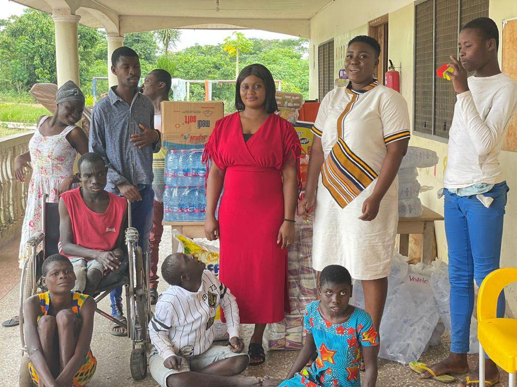 Immigration officer shows love to Adukrom disability home on birthday