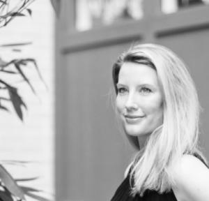 Amber Favre, Artist Portrait