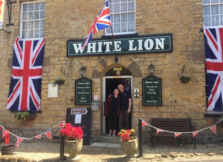 Spike & Vikki at The White Lion