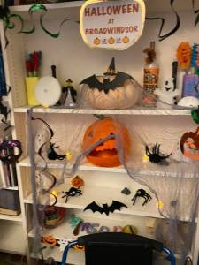 BW House - Halloween