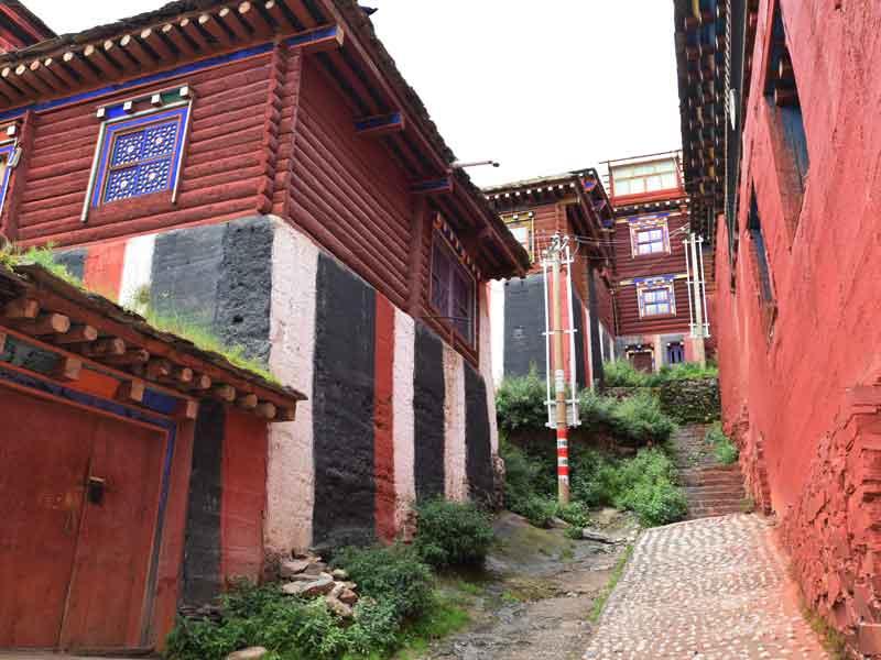 Dzongsar monk house