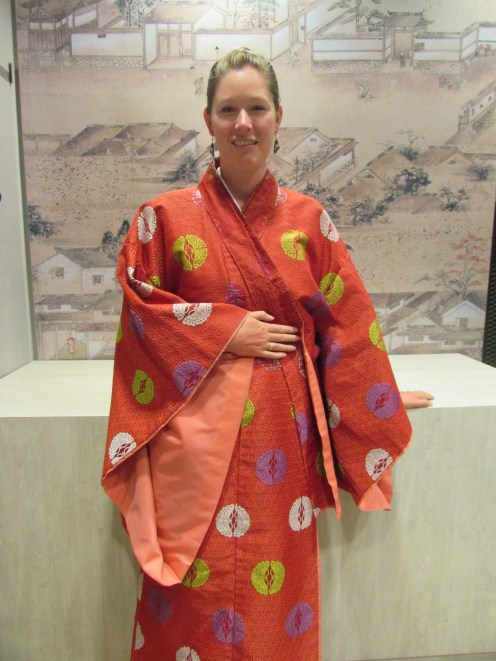Julia modeling the traditional kimono