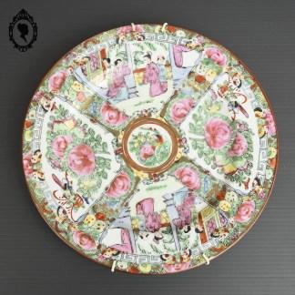 Assiette, assiette asiatique, assiette porcelaine, assiette asiatique porcelaine, assiette ancienne, assiette asiatique ancienne, assiette peint à la main, assiette chinoise, assiette collection, objet asiatique, objet d'art, objet d'art asiatique, objet chinois, vaisselle chinoise, collection de Chine, objet de collection de Chine, Chine vintage, plat, plat chinois, plat porcelaine chinois, assiette rose asiatique, assiette XXème, assiette asiatique XX,