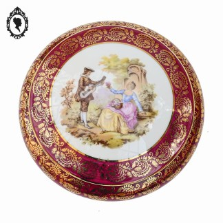 Bonbonnière, bonbonnière porcelaine, bonbonnière rose, bonbonnière romantique, pot avec couvercle, bonbonnière fleurie, Idée cadeau femme, cadeau de noël, bonbonnière, bonbonnière porcelaine, boite porcelaine, boite à bijoux, boite à petits trésors, boite à bijoux rose, boite rose doré, porcelaine française, Porcelaine France, porcelaine rose, porcelaine nacrée, porcelaine Limoges, porcelaine Fragonard, Fragonard, Fragonard limoges, bonbonnière Fragonard, boite Fragonard, objet de vitrine, boite romantique, décoration scène romantique, cadeau fêtes des mères, idée mère,