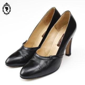 Chaussure femme, chaussure vintage, chaussure classe, chaussure élégante, escarpin, escarpin vintage, escarpin femme, escarpin chic, escarpin élégant, escarpin noir, escarpin classe, chaussure femme noir, escarpin cuir, escarpin 39 ½ , escarpin 39,5, chaussure vintage 39,5, Calzature Gis, Calazature, Calzature Italy, chaussure femme noire 39,5, cuir 39,5, 39,5, chaussure femme vintage,