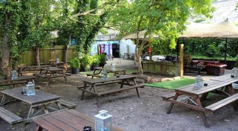 The Fox & Firkin - Garden