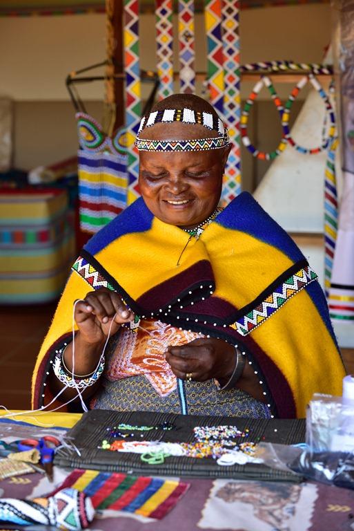 femme-Ndebele-Afrique-du-Sud