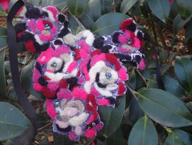 Collier d'hiver en laine feutrée et dentelle Noyon