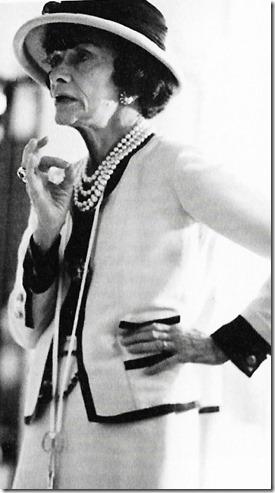 Gabrielle Chanel au travail