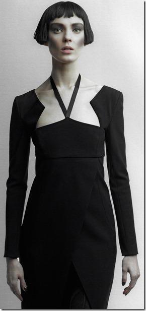 petite robe noire Chanel collection automne hiver 2012 photo de Karl Lagerfeld