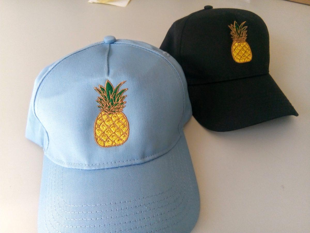 Бродерия върху шапки