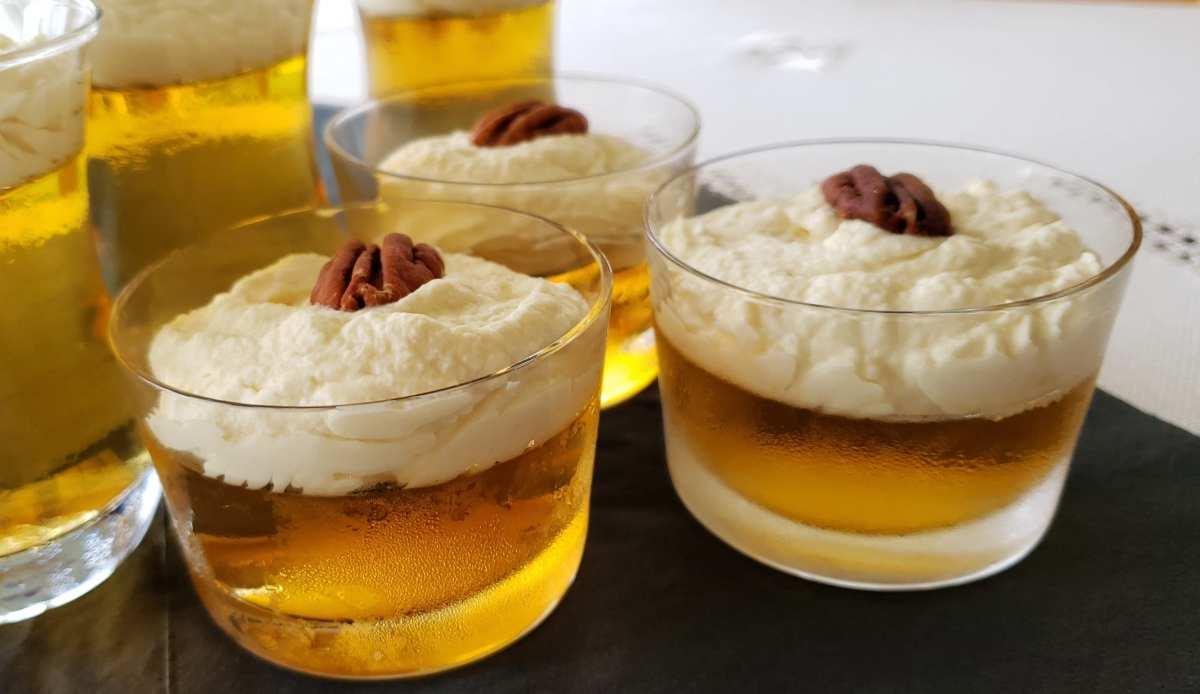 Jello au sirop d'érable avec sa crème fouettée au sirop de bouleau