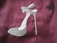 détail chaussure pourpre