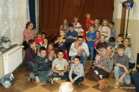 Choinka i spotkanie z Mikołajem w świetlicy w Brodzicy 2016