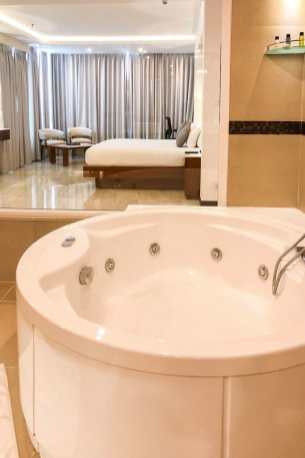 Ramada Cochin Resort Presidential Suite Kerala